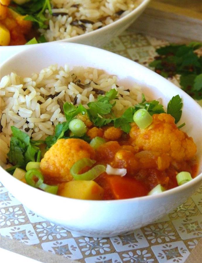 Gemüsecurry mit  Blumenkohl und Kokosmilch (vegan)