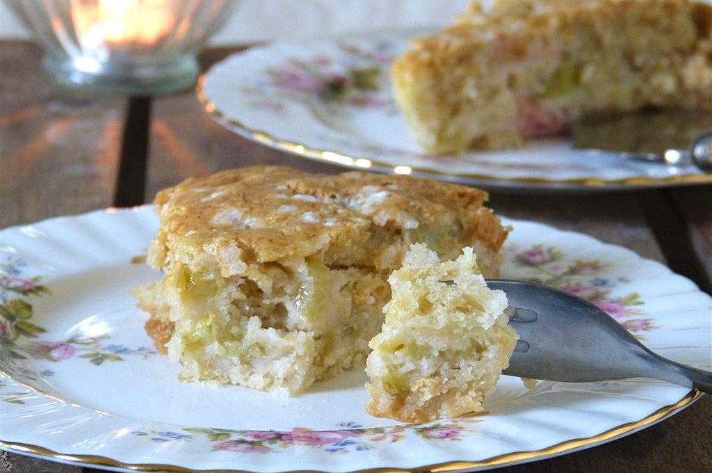 Saftiger Rhabarberkuchen (vegan)