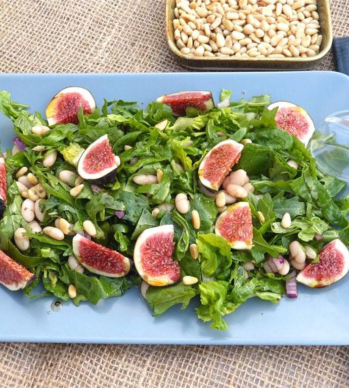 Rucola-Salat mit Bohnen und Feigen